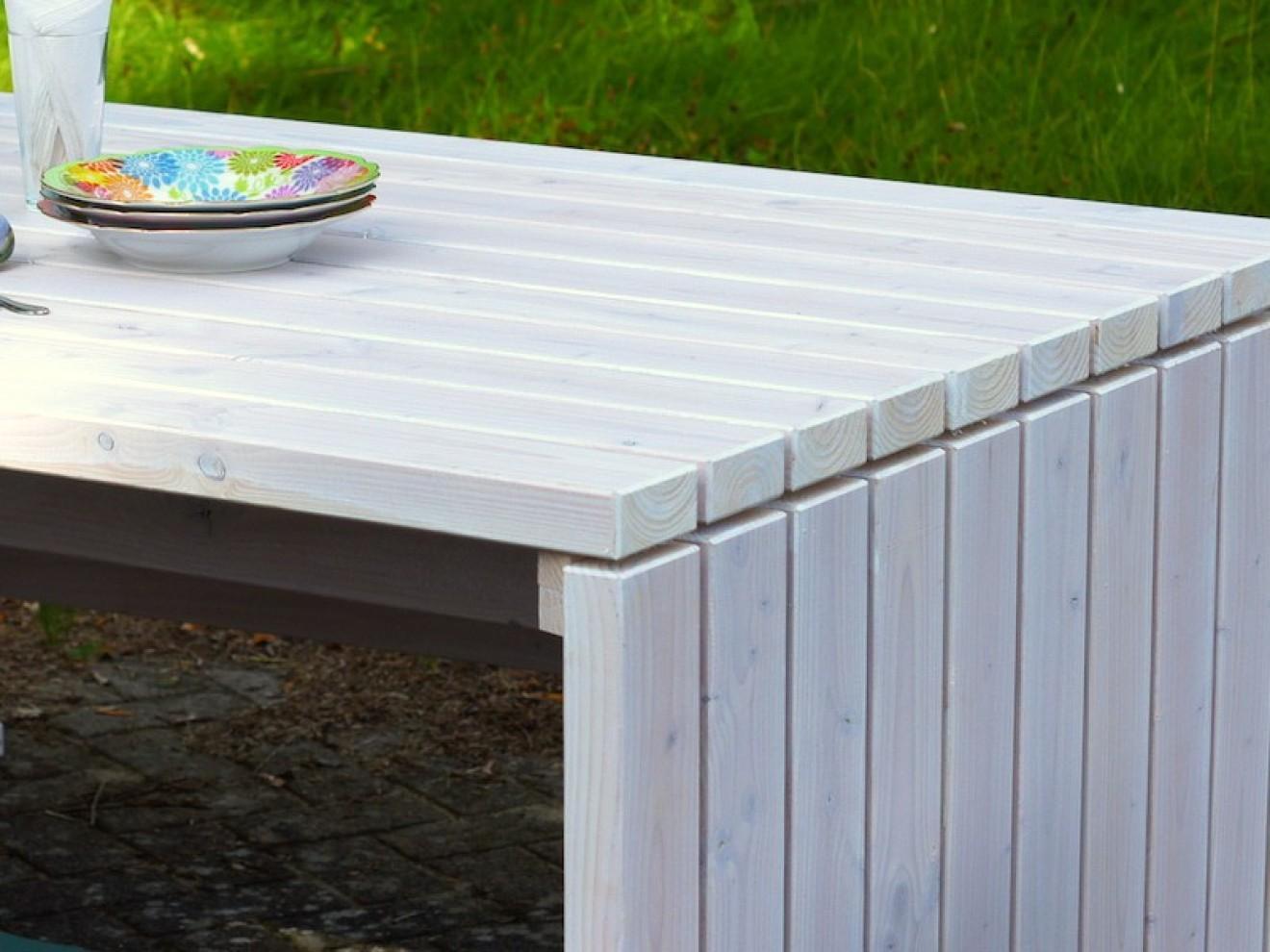 Stehtisch - Zeitlose Gartenmöbel aus heimischem Holz