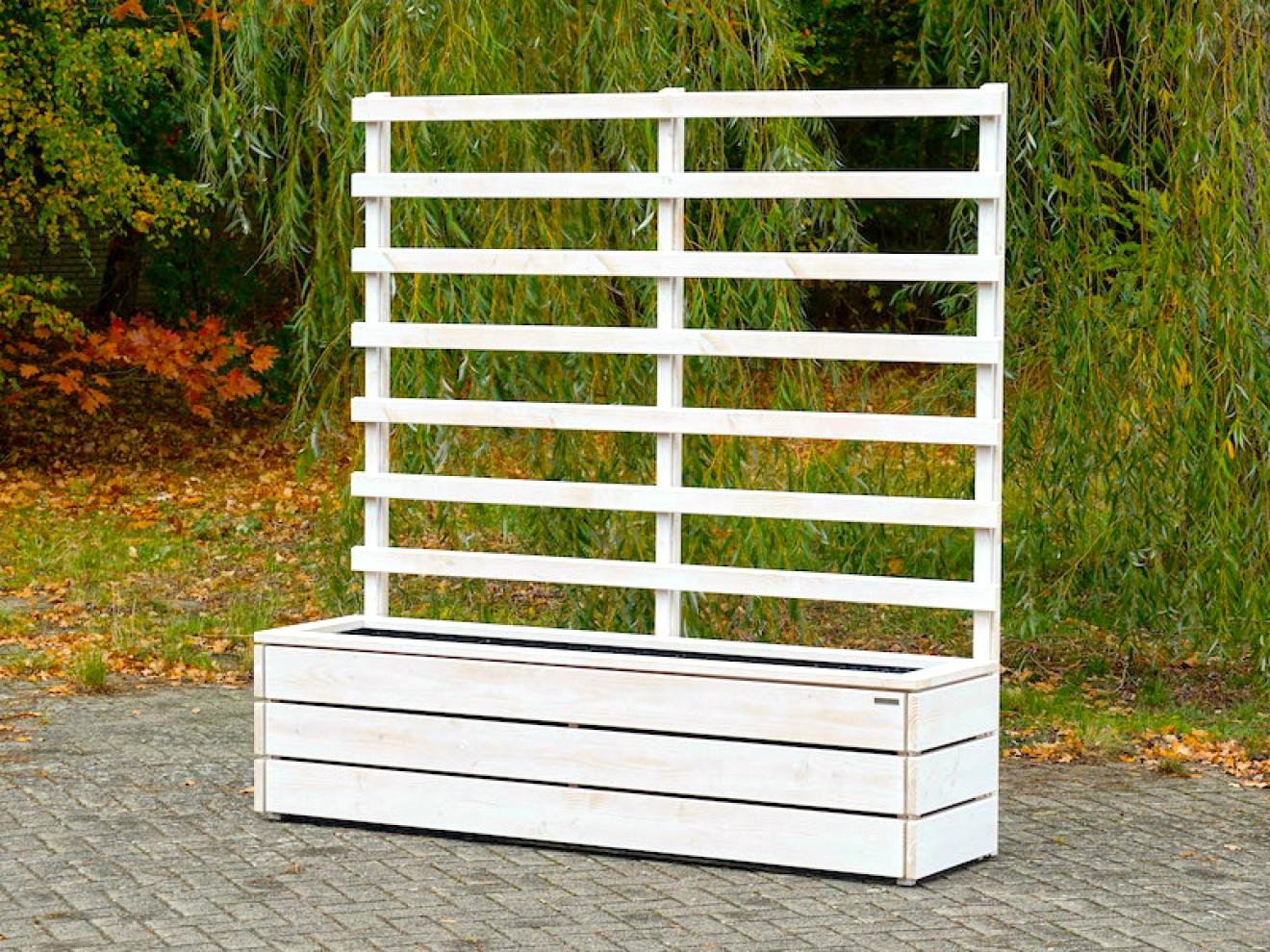 pflanzkasten mit rankgitter sichtschutz nach ma made. Black Bedroom Furniture Sets. Home Design Ideas