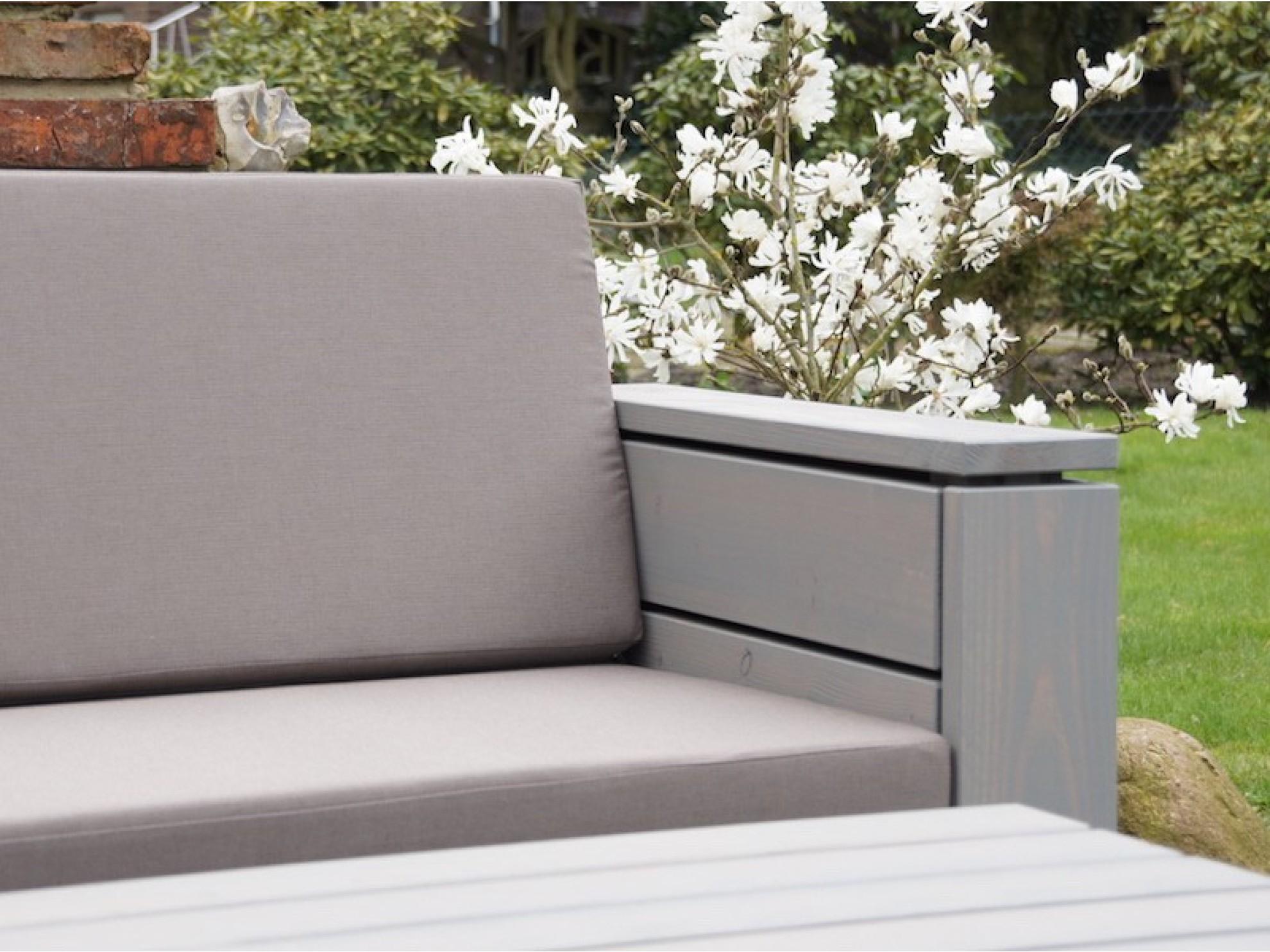 Lounge sofa outdoor holz  Lounge Sofa 2 Sitzer - Zeitlose Loungemöbel aus heimischem Holz