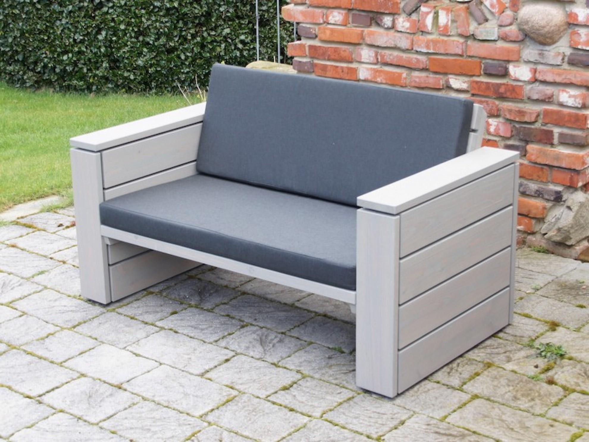 Lounge sessel holz  Lounge Sessel XL - Zeitlose Loungemöbel aus heimischem Holz
